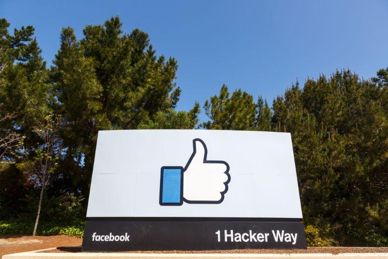 Facebook 1 Hacker Way sign